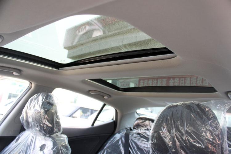汽车假天窗图片欣赏