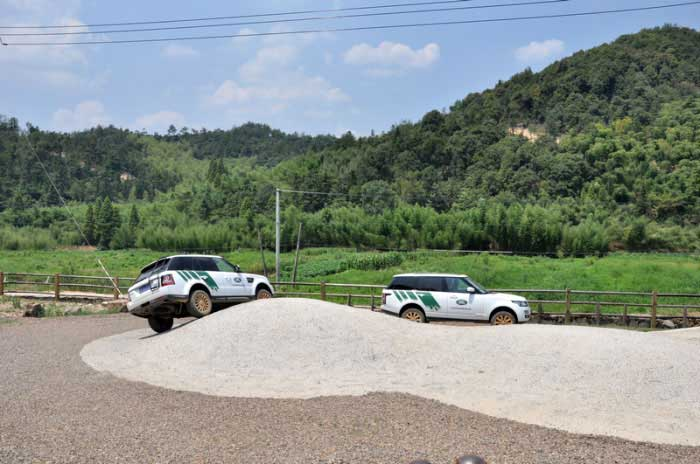 台州中通捷豹路虎4s中心 路虎越野基地探索之旅