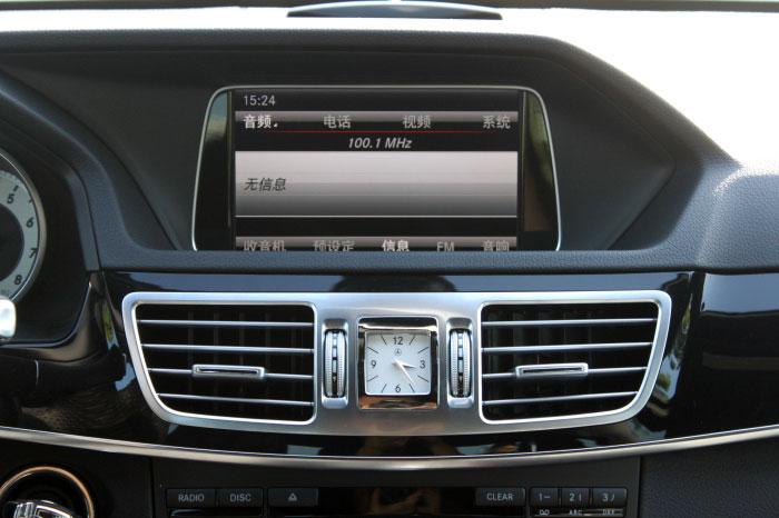 台州之星奔驰e级 显示屏和空调